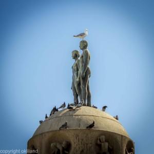 Bilde tatt av statue Utenfor Oslo S