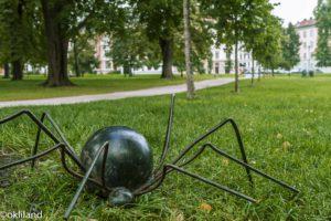 Bilde edderkopp skulptur Sofienbergparken på Grunerløkka av Ørjan Liland