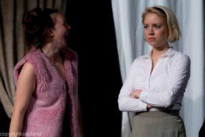 Bilde latter Teater Neuf Family Crisis av Ørjan Liland